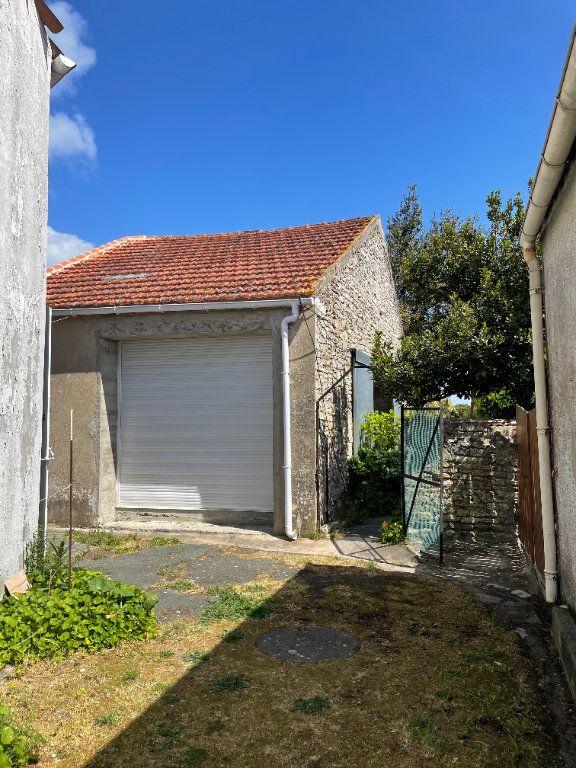 Maison à vendre 3 64.2m2 à Le Château-d'Oléron vignette-11