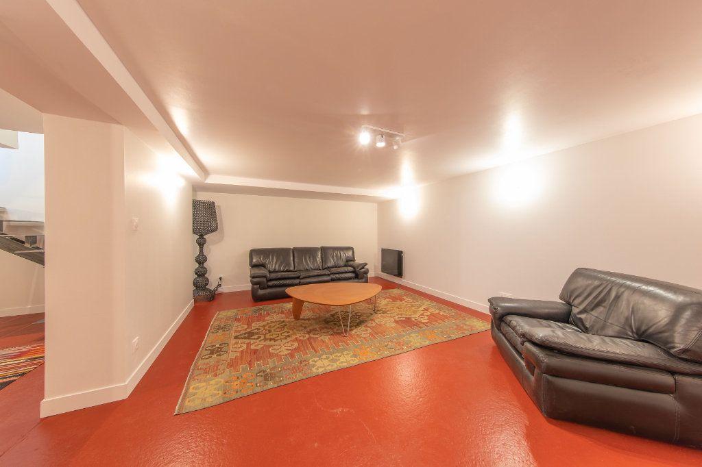 Maison à vendre 4 150m2 à Royan vignette-1