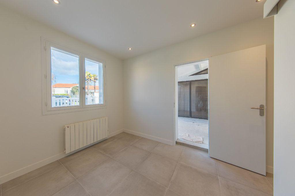 Maison à vendre 4 150m2 à Royan vignette-14