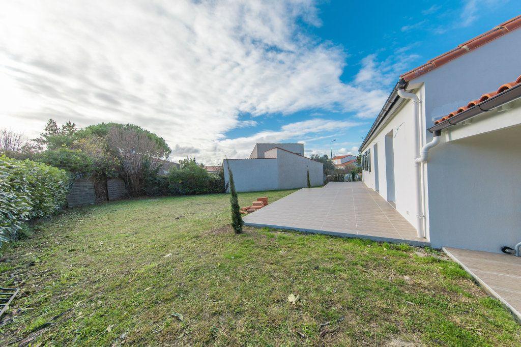 Maison à vendre 4 150m2 à Royan vignette-15
