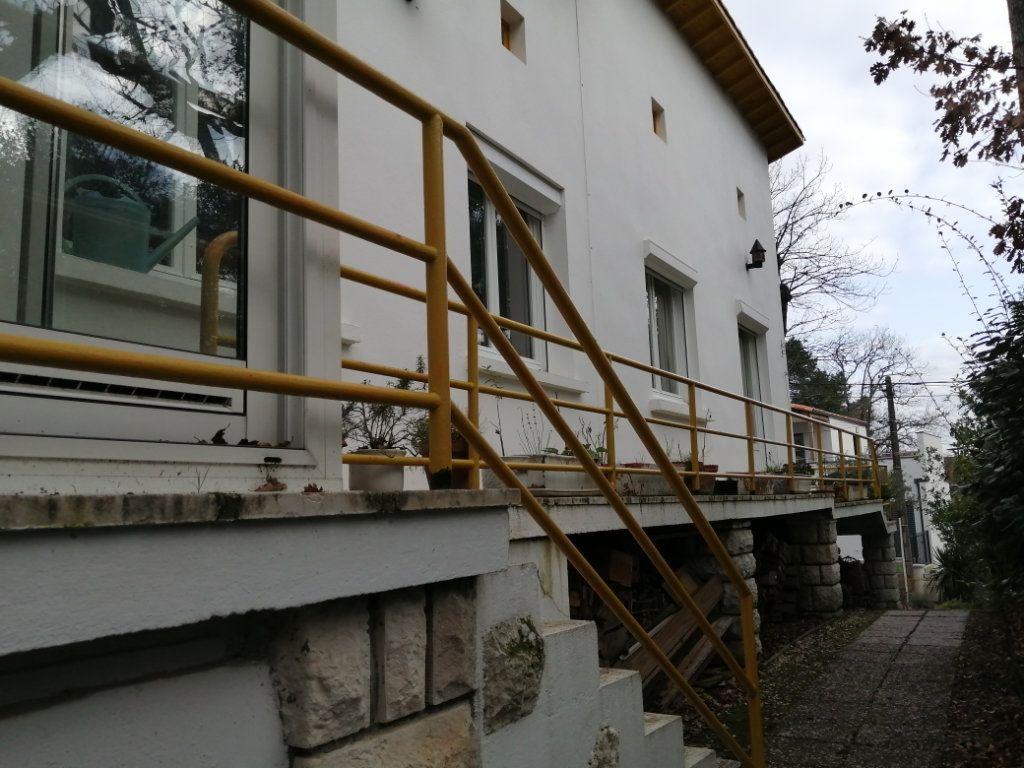 Maison à vendre 5 134m2 à Royan vignette-6