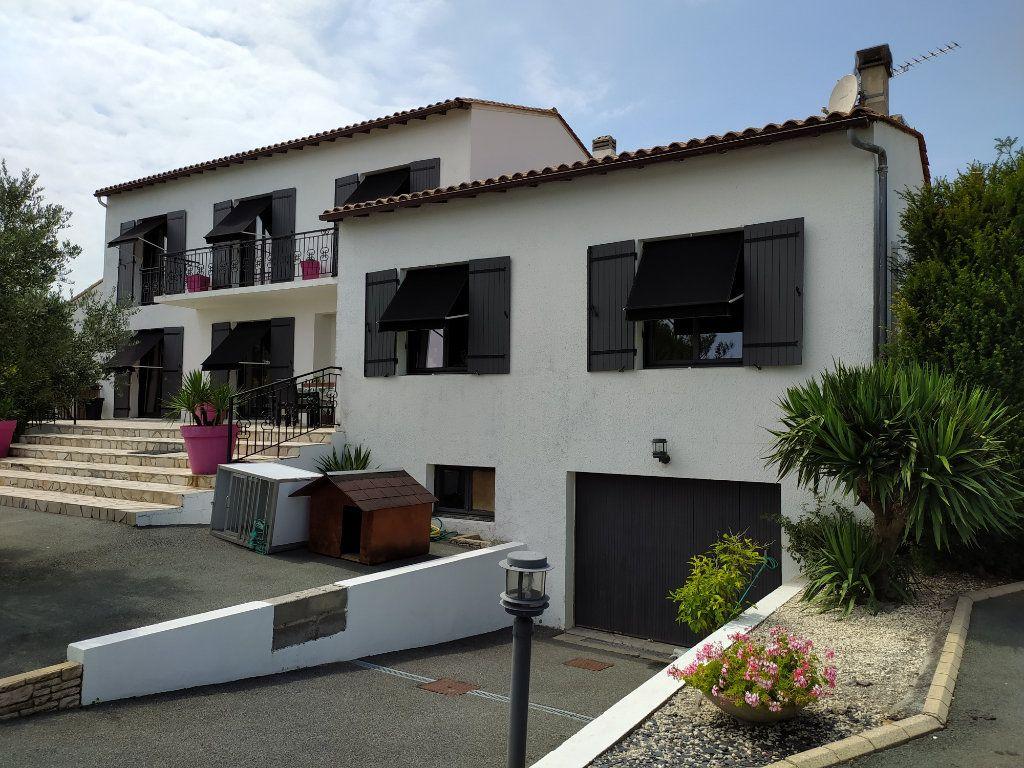 Maison à vendre 7 190m2 à Saint-Sulpice-de-Royan vignette-1