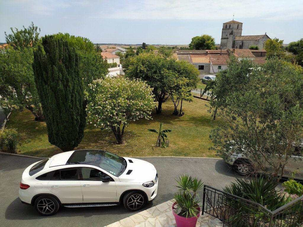 Maison à vendre 7 190m2 à Saint-Sulpice-de-Royan vignette-4