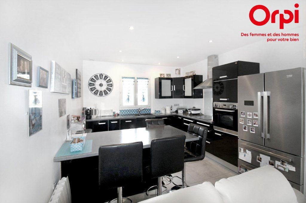 Maison à vendre 5 118m2 à Saint-Sulpice-de-Royan vignette-2