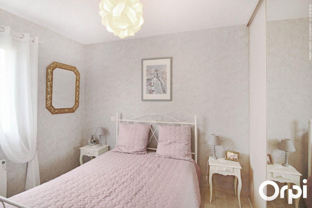 Maison à vendre 5 118m2 à Saint-Sulpice-de-Royan vignette-6