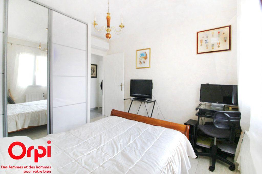Maison à vendre 5 118m2 à Saint-Sulpice-de-Royan vignette-7