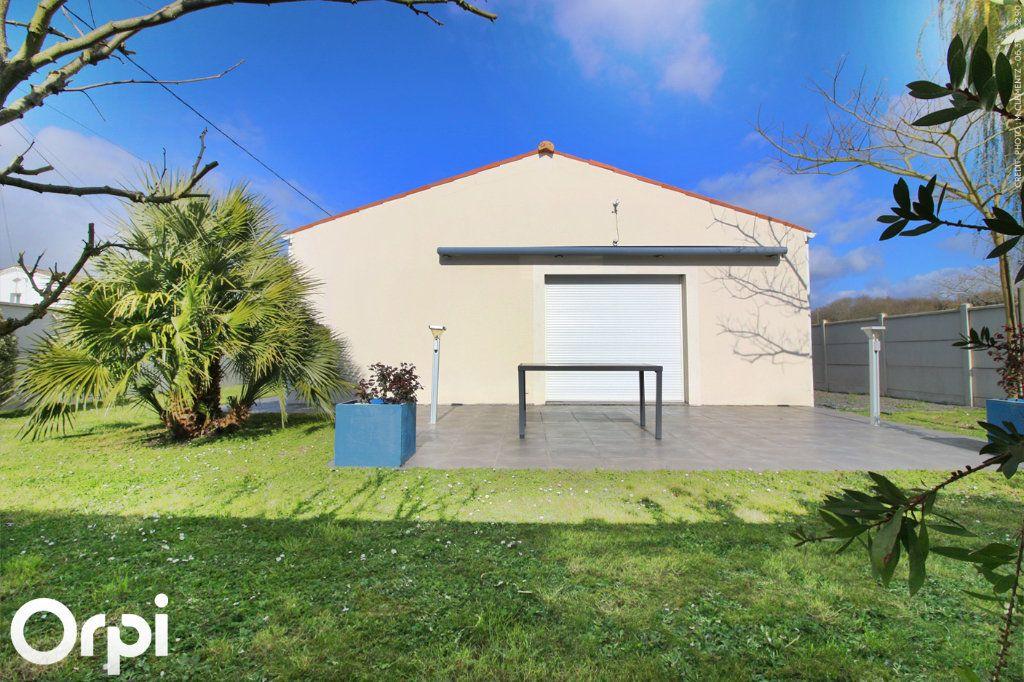 Maison à vendre 5 118m2 à Saint-Sulpice-de-Royan vignette-10