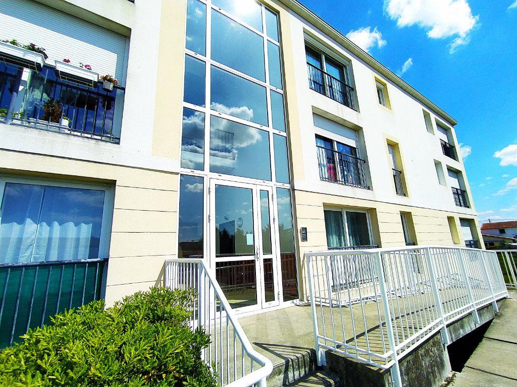 Appartement à vendre 2 40m2 à Royan vignette-1