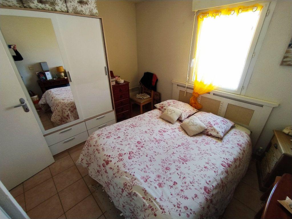 Appartement à vendre 2 40m2 à Royan vignette-4
