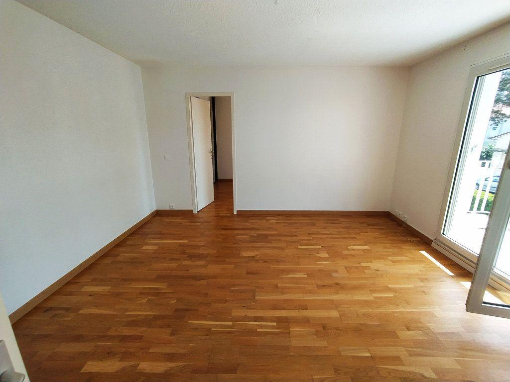 Appartement à vendre 2 48.9m2 à Royan vignette-2