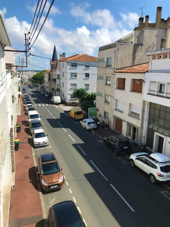 Appartement à louer 3 53.37m2 à Royan vignette-2