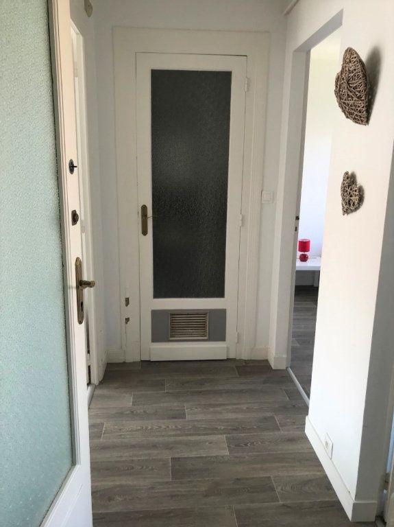 Appartement à louer 3 53.37m2 à Royan vignette-13