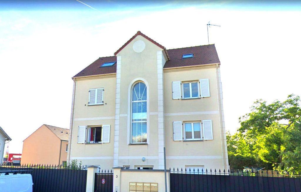 Appartement à louer 3 76.79m2 à Viry-Châtillon vignette-1
