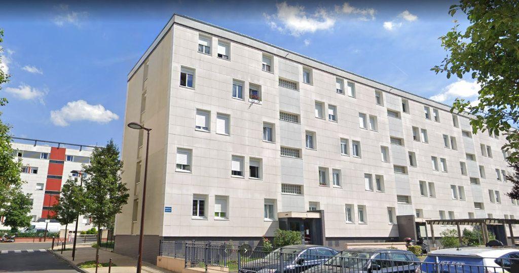 Appartement à louer 3 56.4m2 à Viry-Châtillon vignette-1