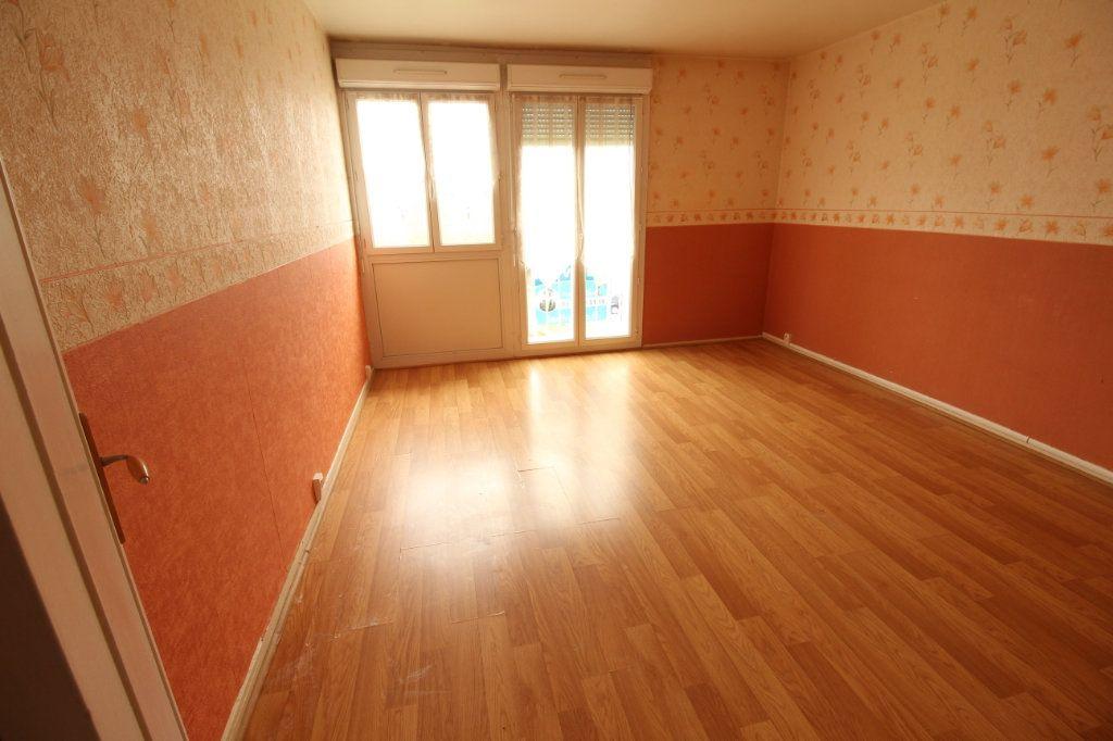 Appartement à louer 3 56.4m2 à Viry-Châtillon vignette-2