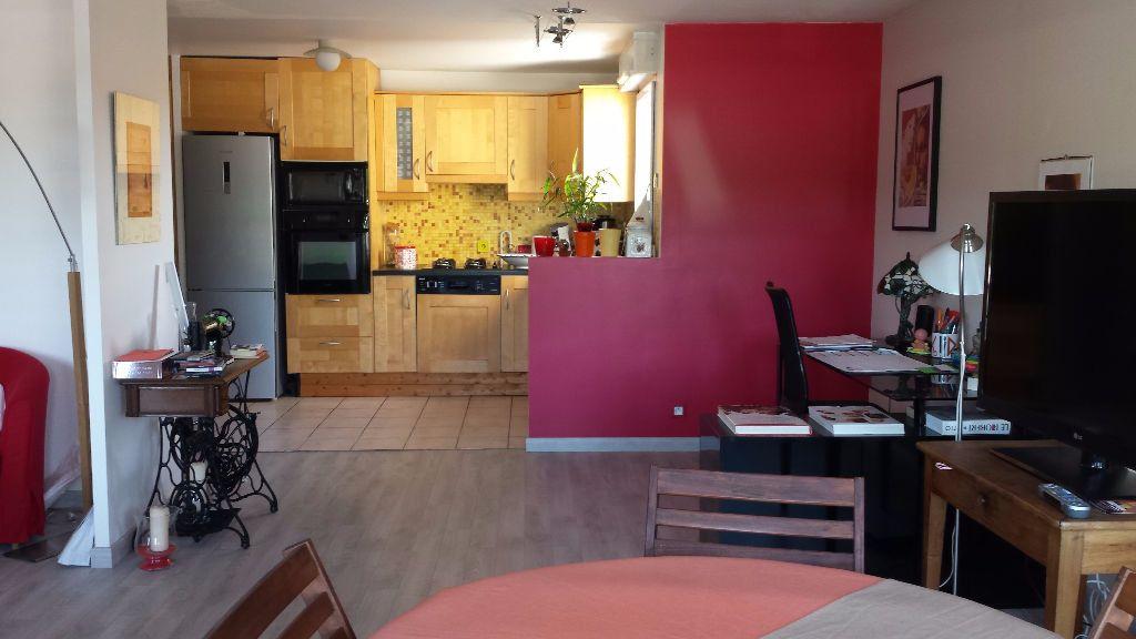 Appartement à louer 4 80m2 à Viry-Châtillon vignette-1