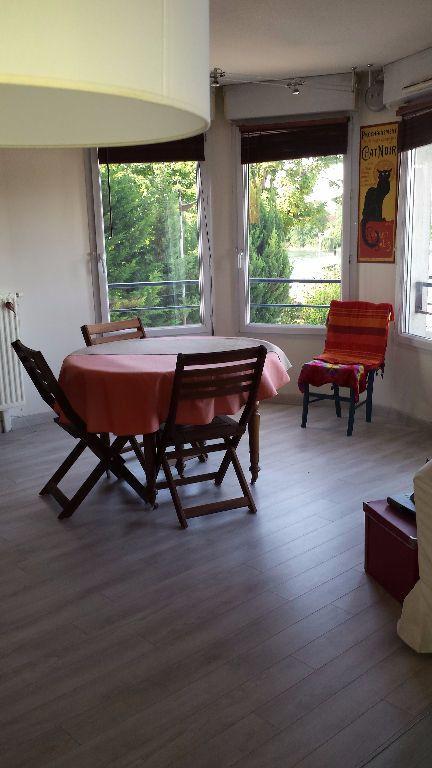 Appartement à louer 4 80m2 à Viry-Châtillon vignette-3