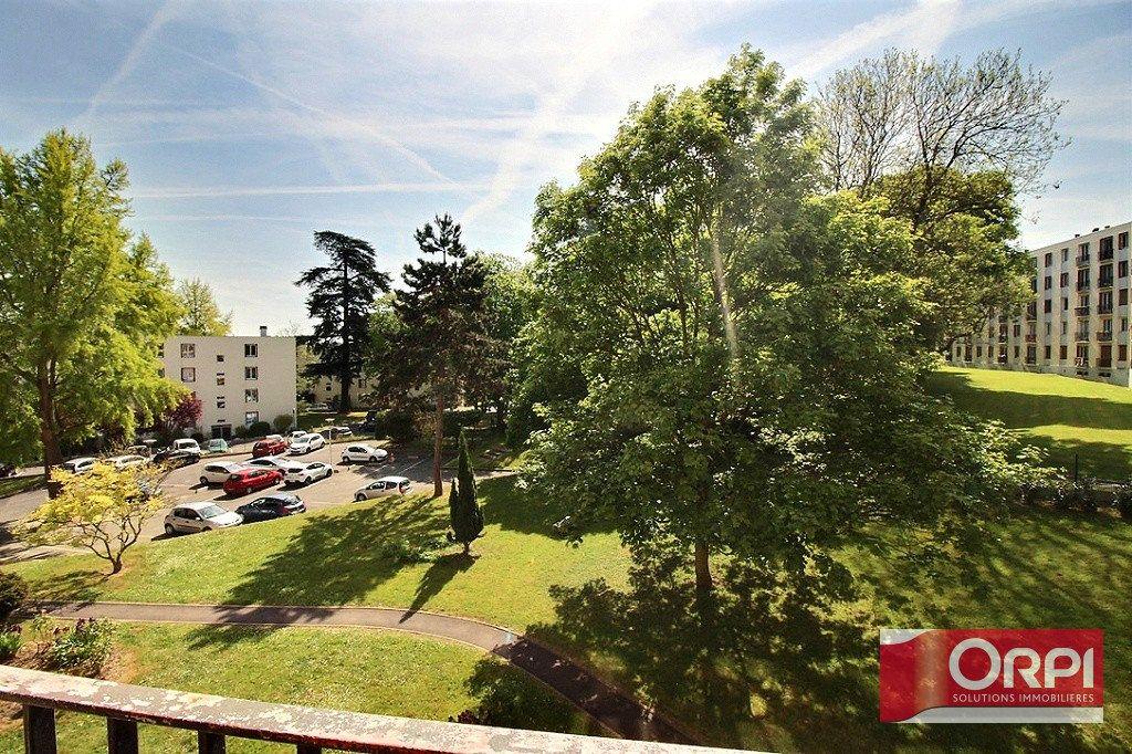 Appartement à vendre 4 64.69m2 à Viry-Châtillon vignette-1