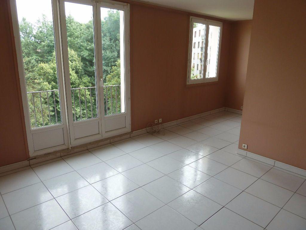 Appartement à vendre 4 64.69m2 à Viry-Châtillon vignette-3