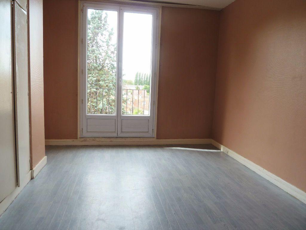 Appartement à vendre 4 64.69m2 à Viry-Châtillon vignette-5