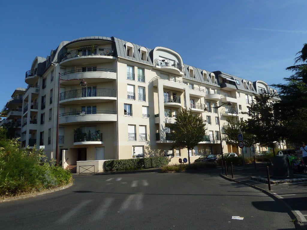 Appartement à louer 2 40.38m2 à Viry-Châtillon vignette-1