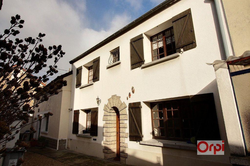 Maison à vendre 5 105m2 à Grigny vignette-1