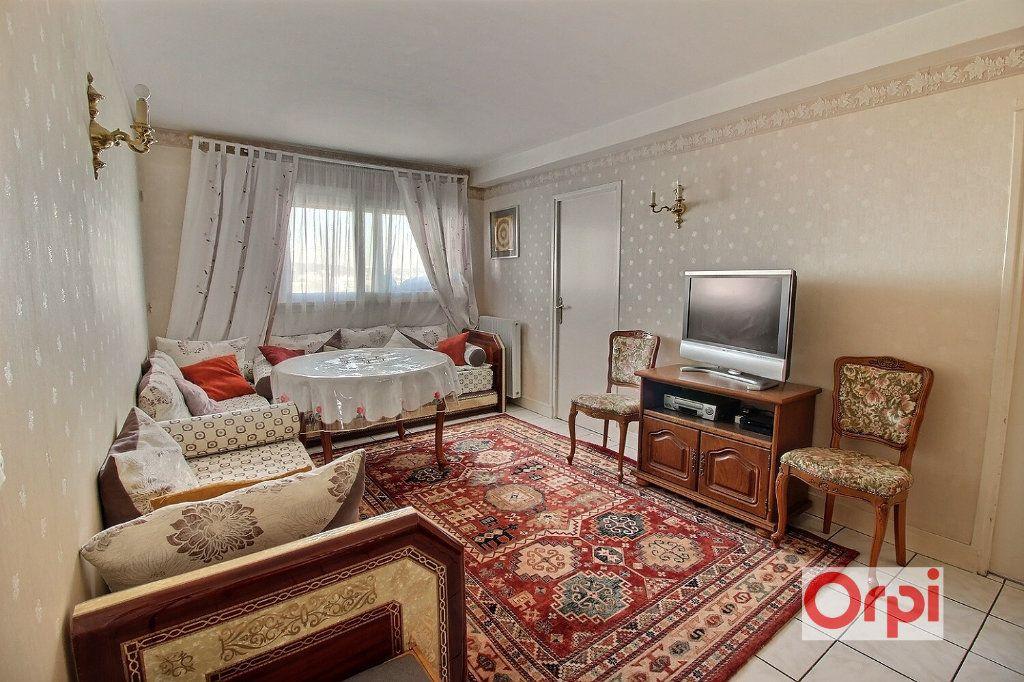 Appartement à vendre 4 64m2 à Viry-Châtillon vignette-2
