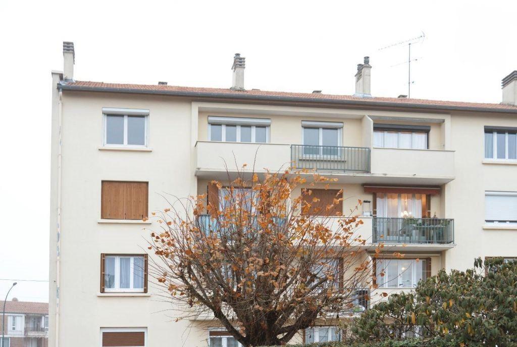 Appartement à louer 3 58.39m2 à Vigneux-sur-Seine vignette-1