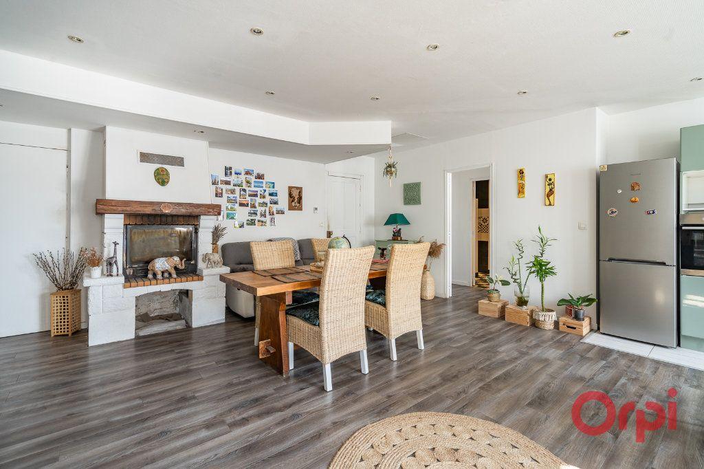 Appartement à vendre 4 116m2 à Vigneux-sur-Seine vignette-1