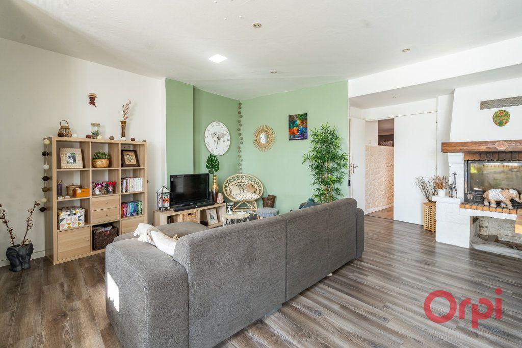 Appartement à vendre 4 116m2 à Vigneux-sur-Seine vignette-2