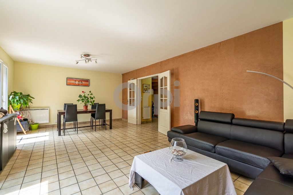 Maison à vendre 5 101m2 à Draveil vignette-1