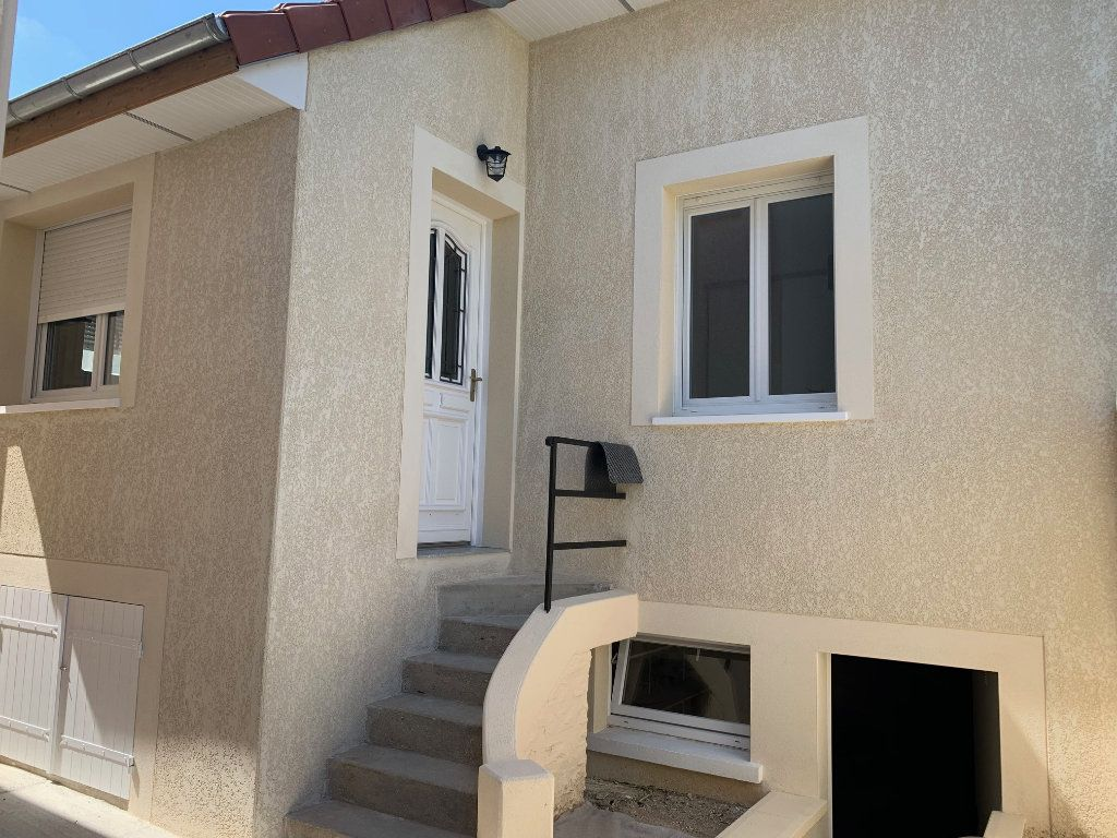 Maison à louer 3 33.22m2 à Vigneux-sur-Seine vignette-1