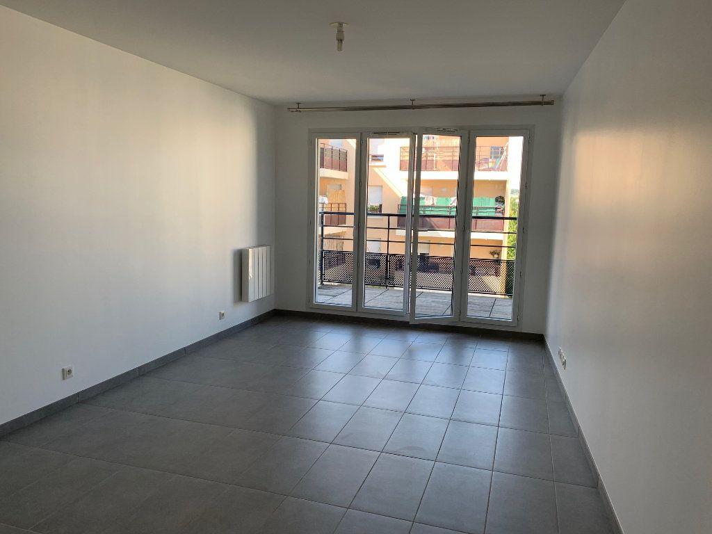 Appartement à louer 3 60m2 à Vigneux-sur-Seine vignette-2