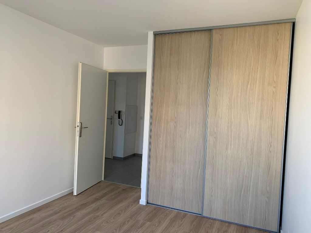Appartement à louer 3 60m2 à Vigneux-sur-Seine vignette-4