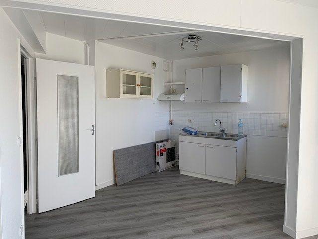 Appartement à louer 1 34m2 à Ris-Orangis vignette-2