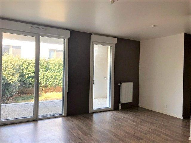 Appartement à louer 3 58.25m2 à Saint-Michel-sur-Orge vignette-1