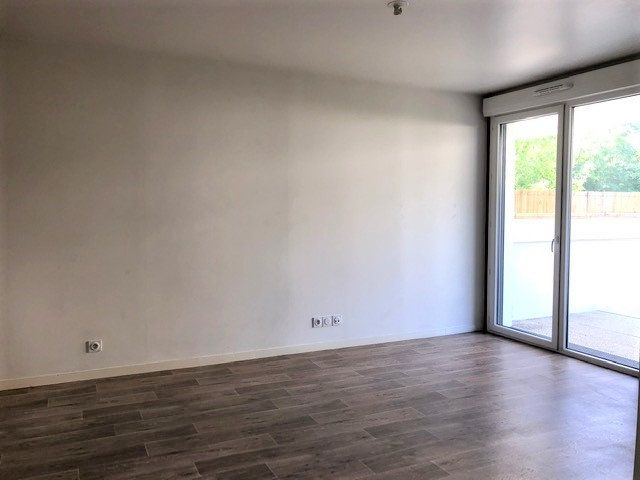 Appartement à louer 3 58.25m2 à Saint-Michel-sur-Orge vignette-2