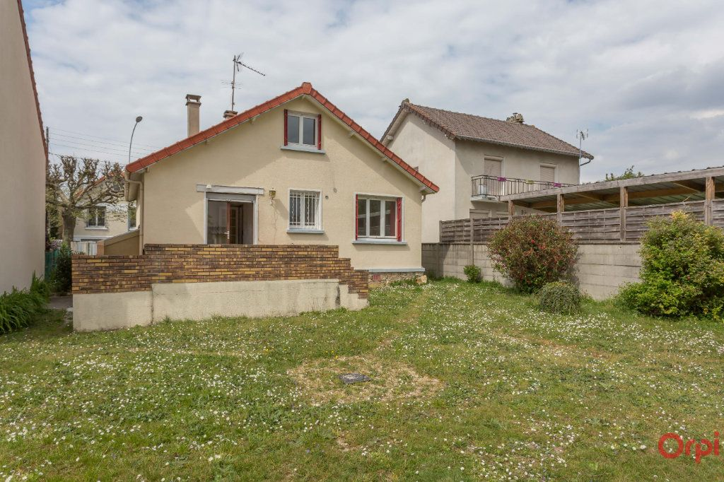 Maison à vendre 5 67m2 à Sainte-Geneviève-des-Bois vignette-1