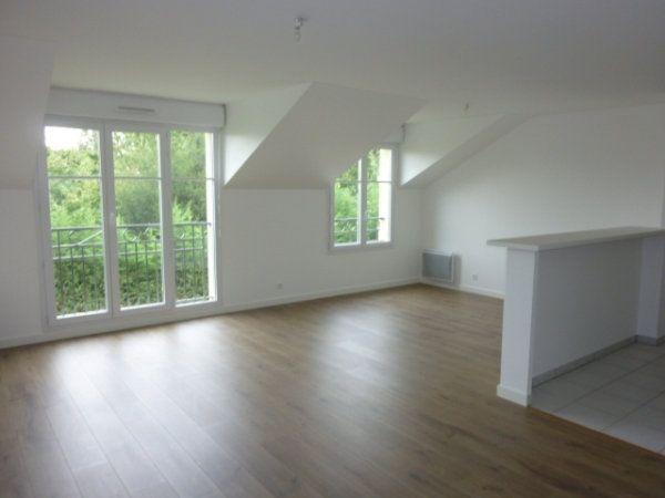 Appartement à louer 3 59.75m2 à Saint-Michel-sur-Orge vignette-1