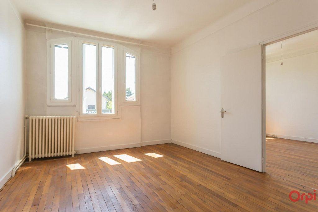 Appartement à louer 3 57.43m2 à Sainte-Geneviève-des-Bois vignette-2