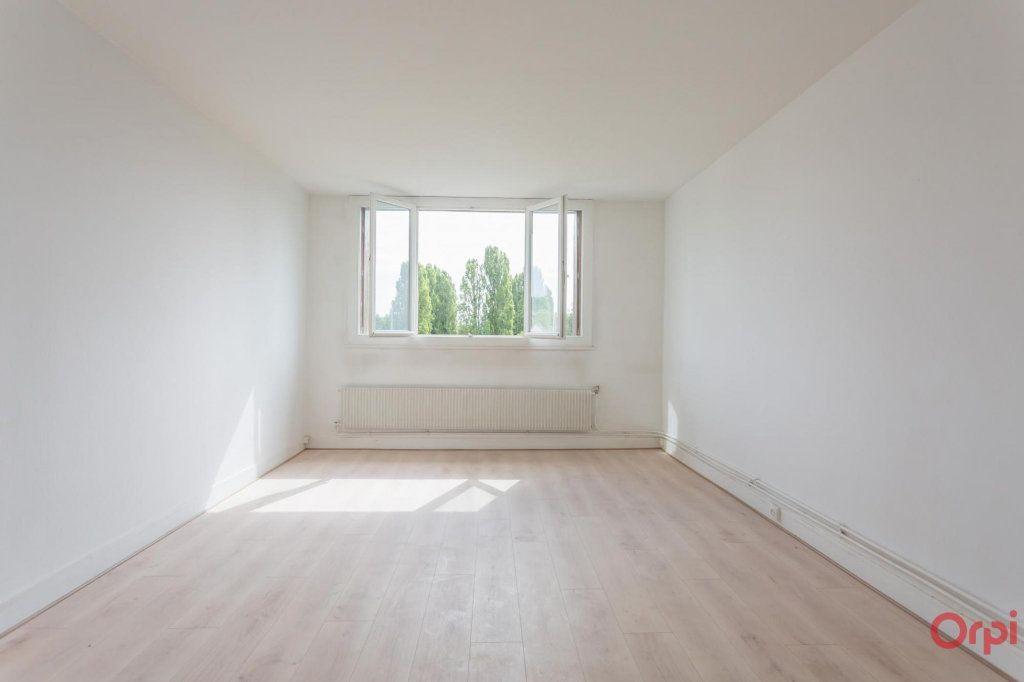 Appartement à louer 3 56m2 à Sainte-Geneviève-des-Bois vignette-1