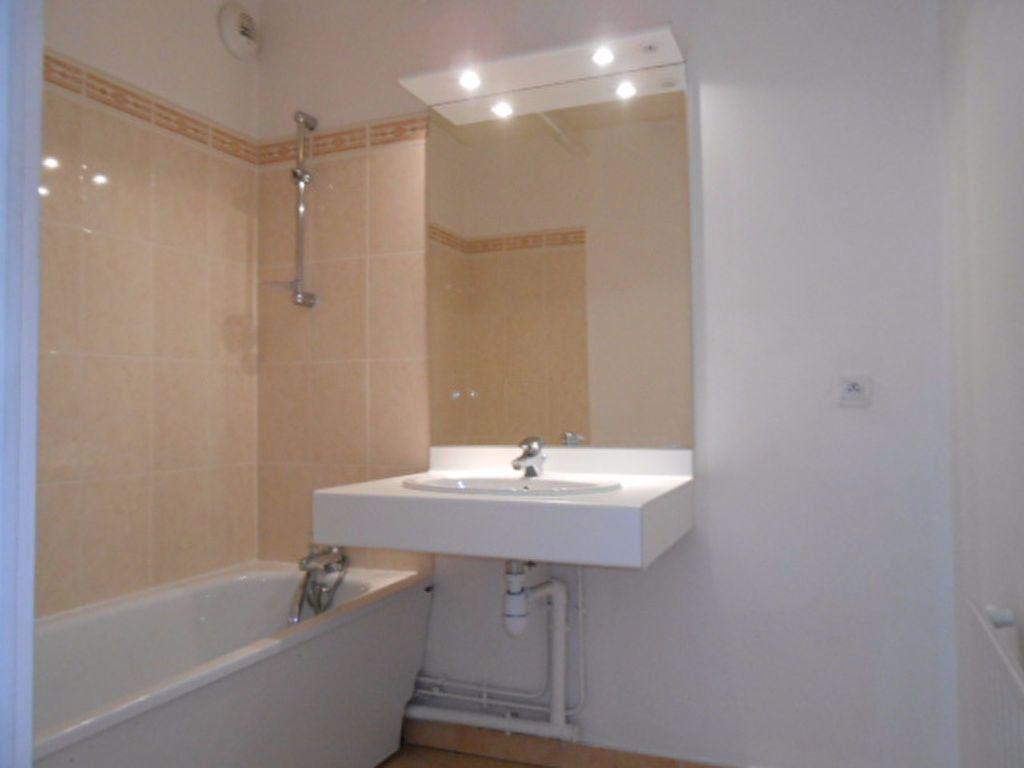 Appartement à louer 2 49.61m2 à Sainte-Geneviève-des-Bois vignette-4