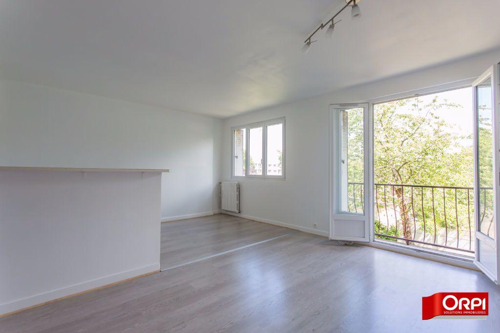 Appartement à louer 4 71.57m2 à Brétigny-sur-Orge vignette-1