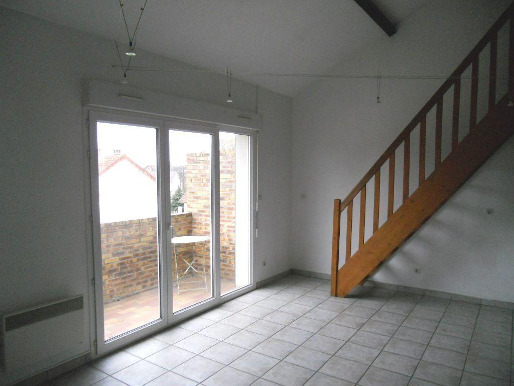 Appartement à louer 2 33.69m2 à Sainte-Geneviève-des-Bois vignette-2