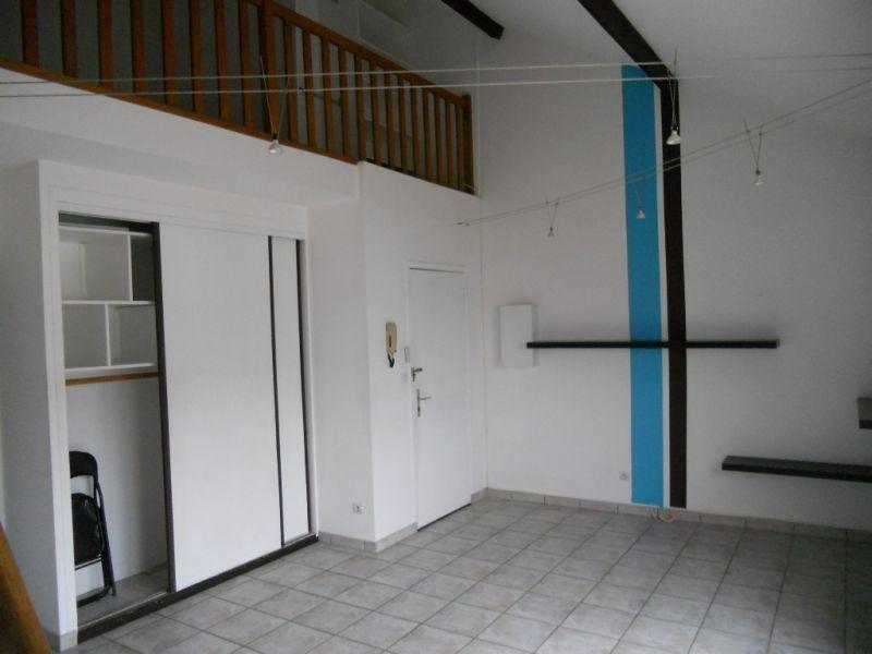 Appartement à louer 2 33.69m2 à Sainte-Geneviève-des-Bois vignette-3