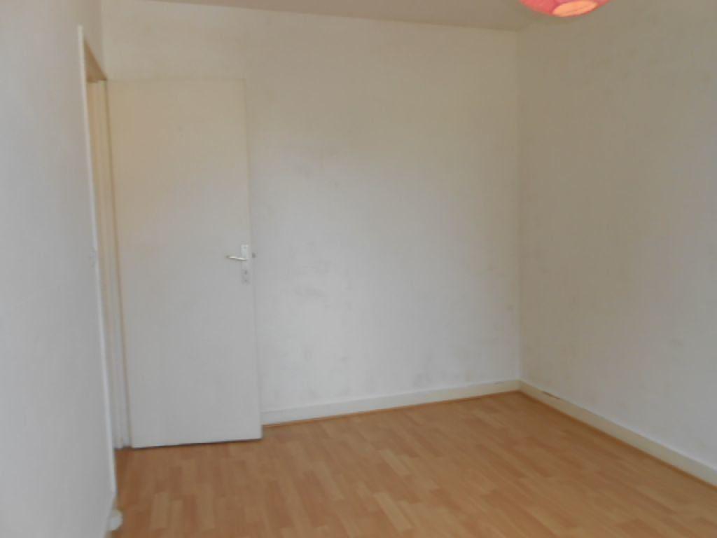 Appartement à louer 3 61.78m2 à Brétigny-sur-Orge vignette-4
