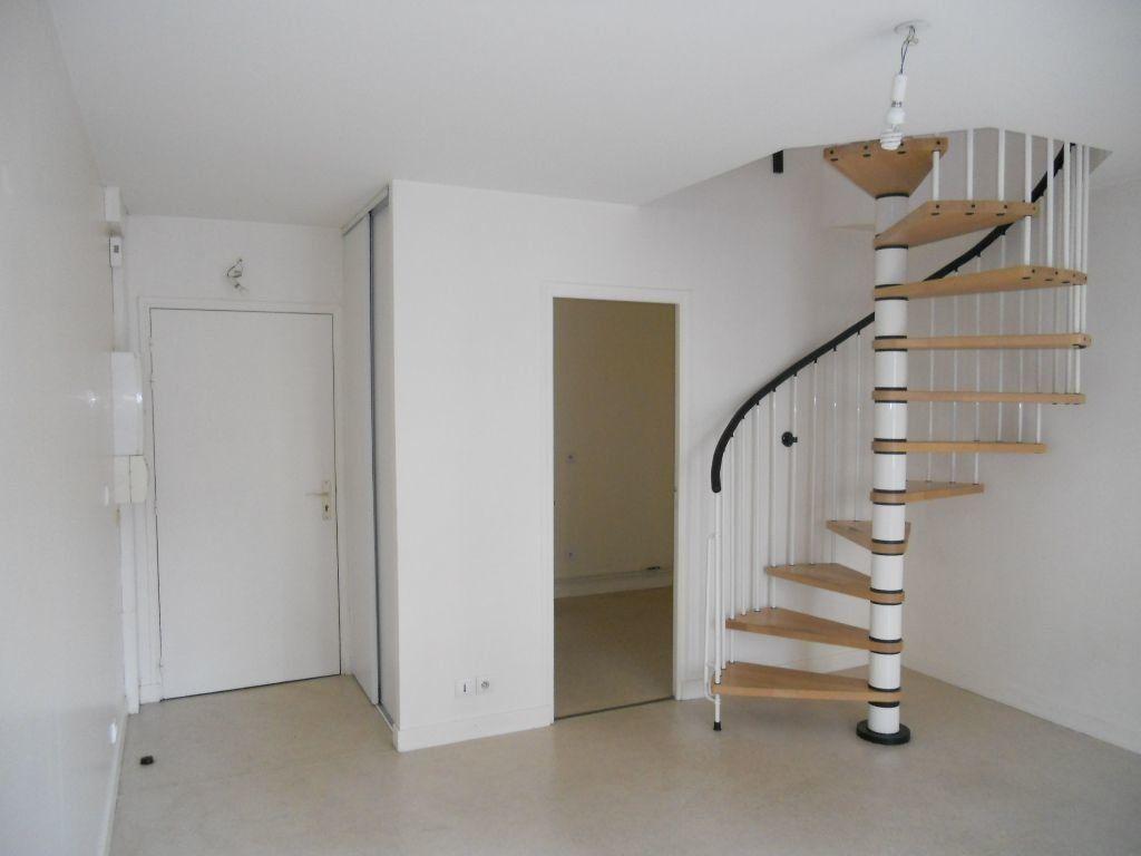 Appartement à louer 2 38m2 à Antony vignette-2