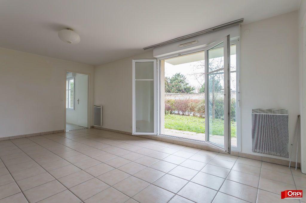 Appartement à louer 3 55.34m2 à Saint-Michel-sur-Orge vignette-1