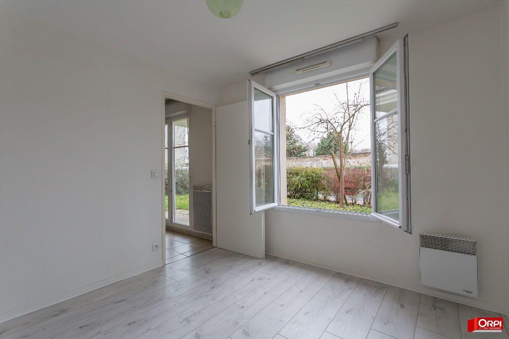 Appartement à louer 3 55.34m2 à Saint-Michel-sur-Orge vignette-5