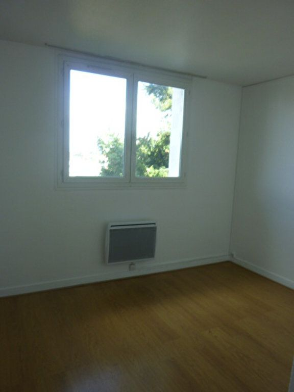 Appartement à louer 3 53.09m2 à Sainte-Geneviève-des-Bois vignette-5